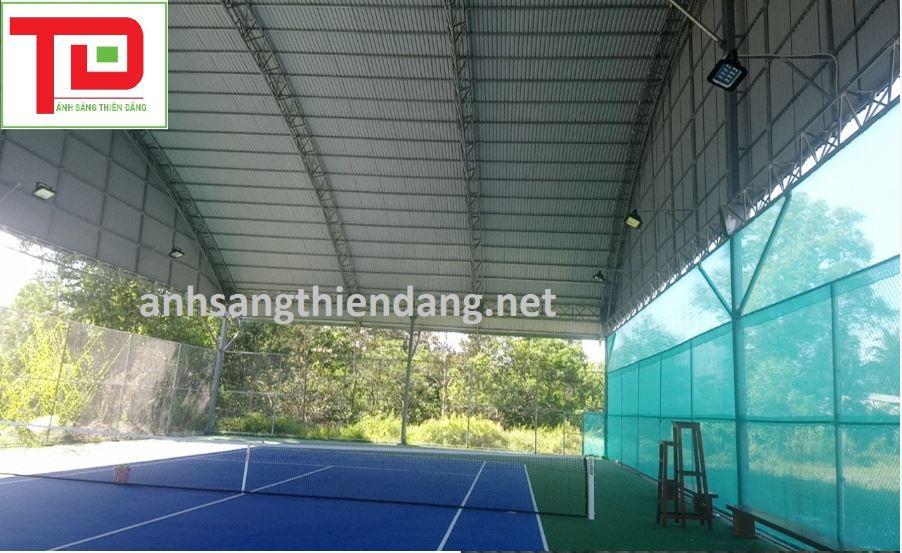 đèn pha led sân tennis